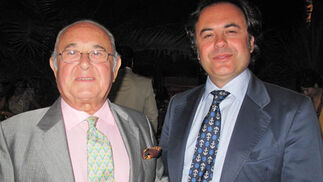 Los modistos Toni Benítez y Manuel Obando.  Foto: Victoria Ramírez