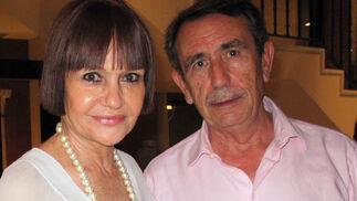 Encarna Rodríguez y el periodista Juan Teba.  Foto: Victoria Ramírez