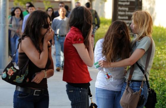 Tristeza entre los fans.  Foto: Reuters, Efe, Afp
