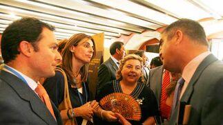 De izqda. a dcha,, Rufino Romero y Paloma Ruiz-Mateos (Garvey), con la consejera y el delegado de Agricultura  Foto: Pascual