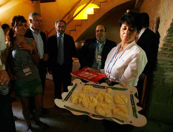 Un momento del maridaje con quesos de Cantabria celebrado ayer.  Foto: Pascual