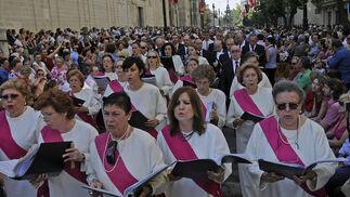 El público es fiel al desfile del Corpus Christi.  Foto: Juan Carlos Váquez