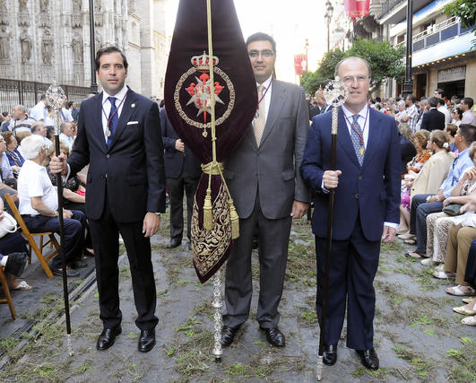 Representantes desfilando por la Avenida de la Constitución.  Foto: Juan Carlos Váquez
