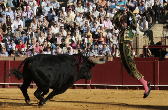 Juan José Padilla, Salvador Cortés y José Ignacio Uceda Leal torearon astados de la ganadería de Martín Lorca.   Foto: Juan Carlos Muñoz