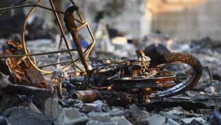 Restos provocados por la explosión de una pirotecnia.  Foto: Belén Vargas