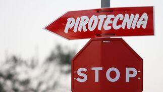 Una señal indicaba el lugar de la pirotecnia.  Foto: Belén Vargas