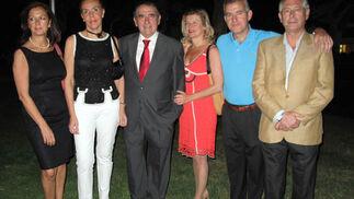 Lola García, Rocío Silva, Rafael Juliá, Belén Balbontín, Carlos Chaves y Paco Sánchez.  Foto: Victoria Ramírez