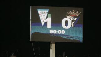 El marcador reflejaba el triste resultado para el Cádiz.   Foto: Javier Alonso