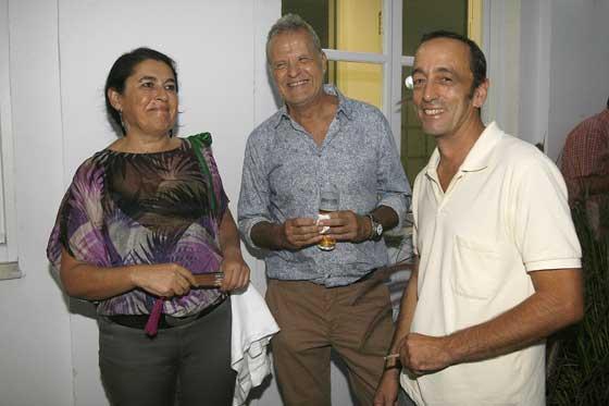 Tres de los artistas de 'Sin Más. Arte Contemporáneo': Carmen Bustamante, Pepe Cano y Juan Carlos Crespo Laínez.  Foto: Joaquin Pino