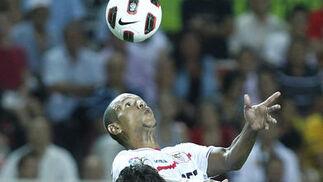 El Sevilla no puede superar al Deportivo de la Couruña en el Sánchez Pizjuán. / Antonio Pizarro