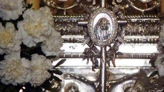 Detalle de Madre María de la Purísima custodiado por dos ángeles.  Foto: Ruesga Bono