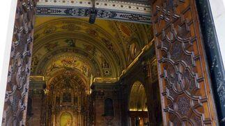 Vista del fondo de la basílica desde las puertas de ésta.  Foto: Ruesga Bono