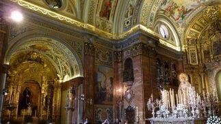 Los fieles acudieron a la basílica para ser testigos de la imagen excepcional de la Virgen.  Foto: Ruesga Bono
