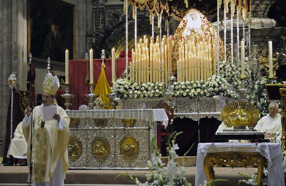 Acto de coronación de la Virgen de Regla, en la Catedral.  Foto: Juan Carloz Vázquez