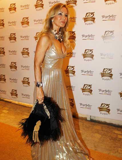 Carmen Lomana, con un elegante traje de noche.  Foto: Pascual