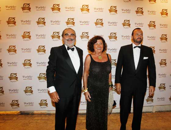 El presidente del Consejo del Brandy, Evaristo Babé, con Paz Ivison y Bosco Torremocha.  Foto: Pascual