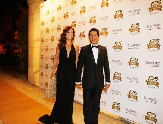 Pastora Soler, junto a su esposo, Francis Viñolo.  Foto: Pascual