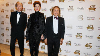Vittorio & Lucchino, en compañía de Cristina.  Foto: Pascual