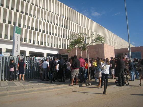 Expectación en el inicio del juicio del 'caso Malaya'