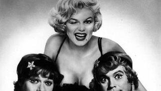 Jack Lemmon, Marilyn Monroe y Tony Curtis, en una foto promocional de 'Con faldas y a lo loco'. / AFP