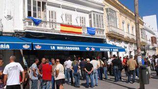 Los piquetes forzaron el cierre de comercios y supermercados, así como de Bahía Sur  Foto: Rioja