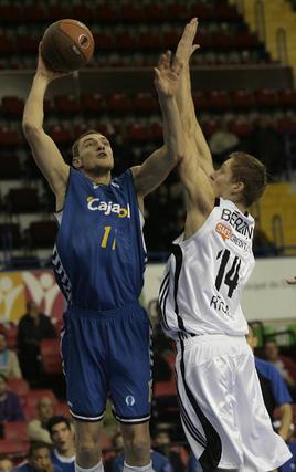 El Cajasol recupera opciones tras ganar al VEF Riga por 95 a 83.  Foto: Juan Carlos Muñoz
