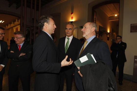 José Joly y Rodrigo Rato, con Antonio Soto.  Foto: Julio Gonzalez