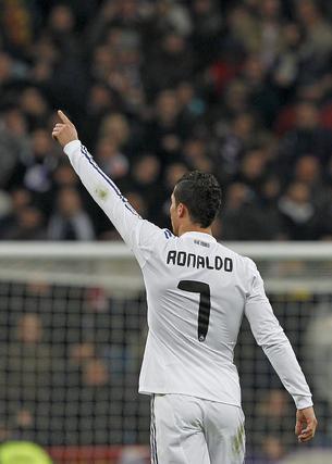 El Real Madrid gana 2-0 al Valencia en casa cinco días después de salir goleado del Camp Nou. / EFE
