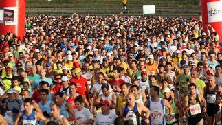 Salida del primer Maratón Málaga.  Foto: Migue Fernández