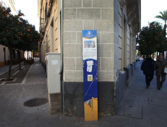Una deteriorada señal anuncia la entrada a San Miguel.   Foto: Vanesa Lobo