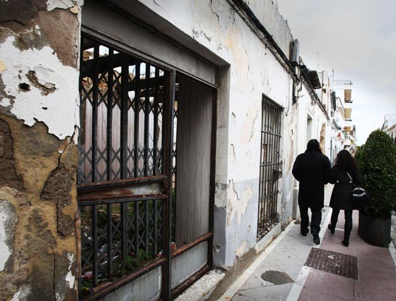 el abandono de los símbolos del flamenco es palpable en los dos barrios, el de Santiago y el de San miguel  Foto: Vanesa Lobo