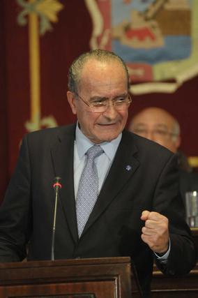El alcalde de Málaga, Francisco de la Torre, durante el debate del Estado de la Ciudad en el que ha asegurado que se han ahorrado 132 millones de euros gracias a los planes de austeridad.