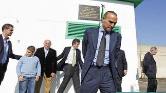 """Luís Oliver en la inauguración de la Ciudad Deportiva """"Luís del Sol"""", junto a Luís del Sol y Castaño.   Foto: Antonio Pizarro"""