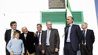 """Luís Oliver, Jaime Rodríguez Sacristán, Luís del Sol y Castaño en la inauguración de la Ciudad Deportiva bética """"Luís del Sol"""".  Foto: Antonio Pizarro"""