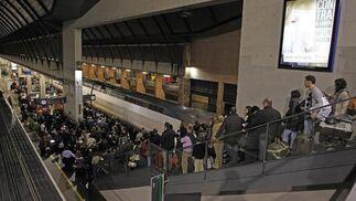 El corte del AVE (durante tres horas) afectó a unos 5.200 pasajeros.  Foto: Antonio Pizarro