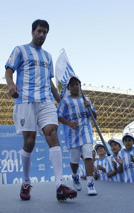 Presentación de Ruun Van Nistelrooy como nuevo jugador del Málaga CF  Foto: Sergio Camacho