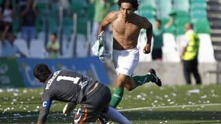 El Betis gana el último partido de la Liga al Villarreal B (2-1). / Antonio Pizarro