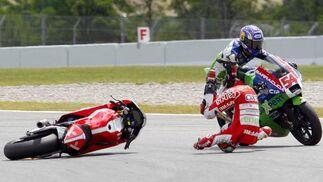 Bradl aumenta su tiranía en Moto2. / Reuters
