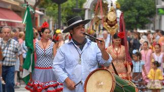 Los rocieros chiclaneros fueron los primeros en salir. /Paco Periñán
