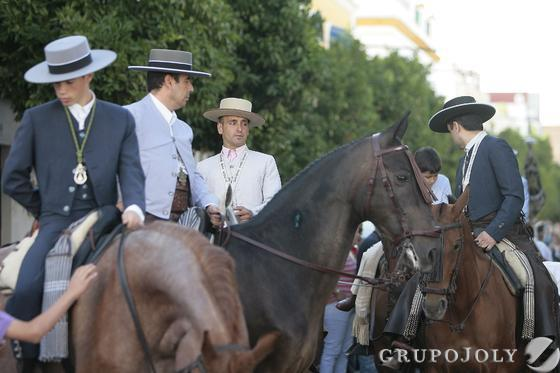 Romeros a caballo.  Foto: José Ángel García