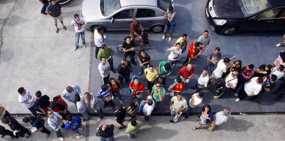 Primer día de la campaña de abonos del Málaga  Foto: Sergio Camacho