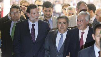 Sanz, Rajoy, Zoido y Arenas, entrando en el Ayuntamiento  Foto: Antonio Pizarro - Manuel Gómez