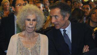 La Duquesa de Alba, con Alfonso Díez.  Foto: Antonio Pizarro - Manuel Gómez