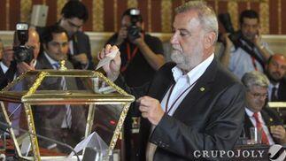 Torrijos, en la votación a alcalde.  Foto: Antonio Pizarro - Manuel Gómez