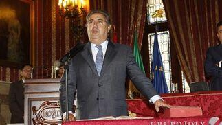 Zoido, jurando su cargo.  Foto: Antonio Pizarro - Manuel Gómez
