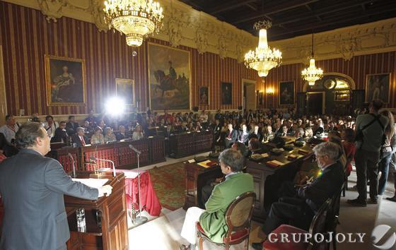 Zoido, durante su discurso de investidura.  Foto: Antonio Pizarro - Manuel Gómez