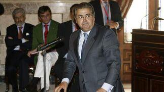 Zoido, jurando su cargo de concejal.  Foto: Antonio Pizarro - Manuel Gómez