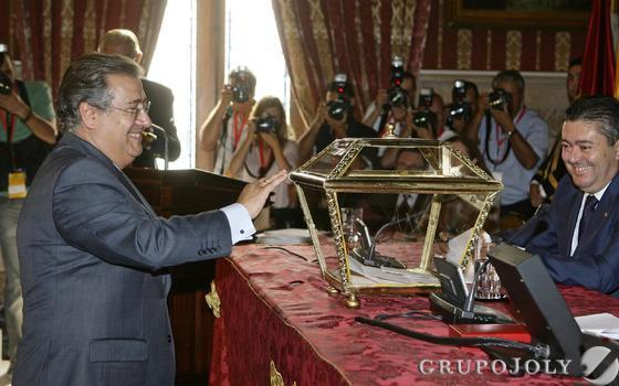 Zoido, en la votación.  Foto: Antonio Pizarro - Manuel Gómez
