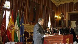 Zoido, durante su discurso.  Foto: Antonio Pizarro - Manuel Gómez