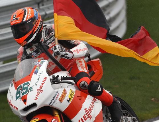 Stefan Bradl, ganador en Moto2 en el Gran Premio de Gran Bretaña.  Foto: AFP Photo